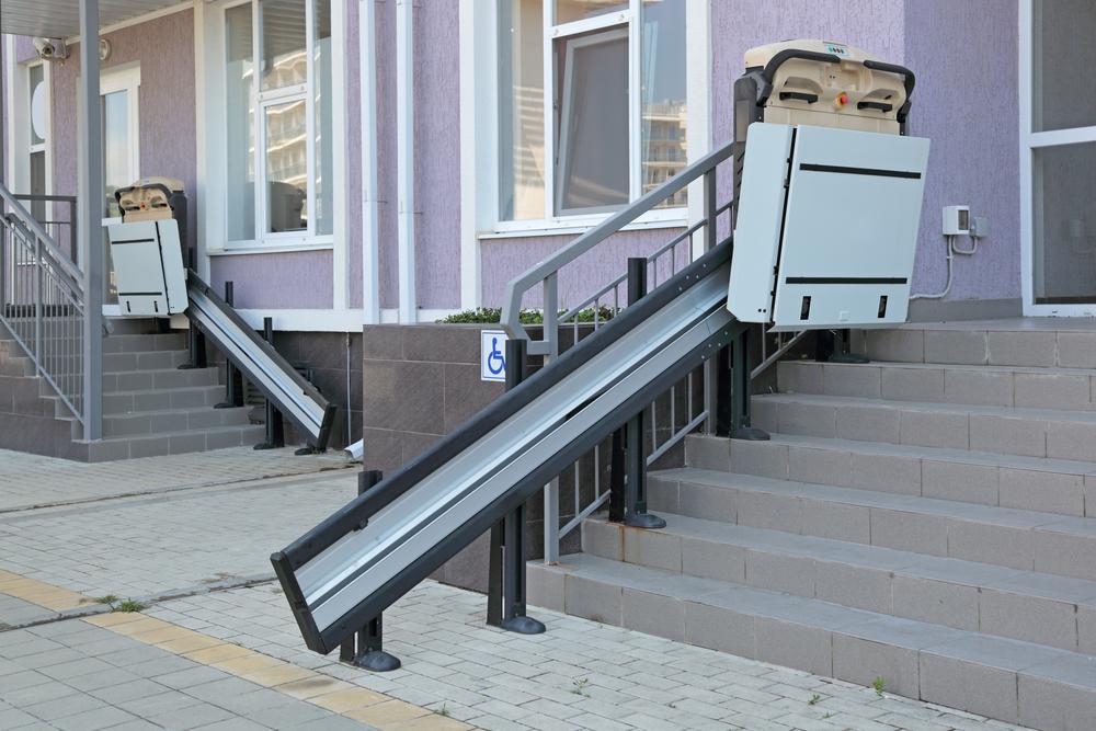 Außenlift für Rollstuhlfahrer