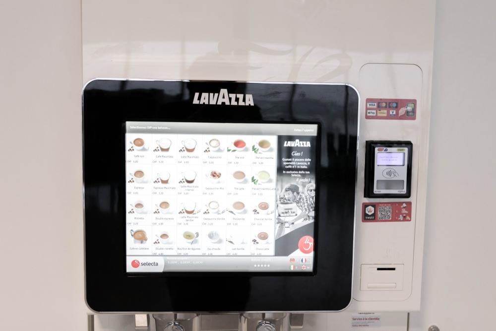 Kaffeevollautomat mit modernem Touchscreen