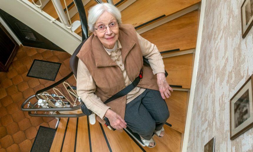 Treppenlift Preise: Was kostet ein Treppenlift?